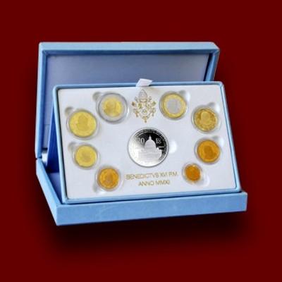 Zbirka evrokovancev s srebrnikom l.2012 / Euro Coin Set with Silver Coin **
